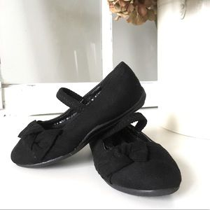 Hot Cakes dress shoes  size 5t